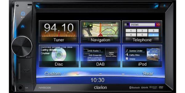 Clarion NX502E - Doppel-DIN Navigationssystem inkl. BKX001